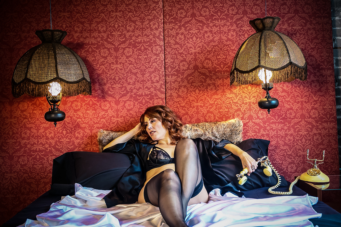 toronto boudoir photographer phat dog visuals-